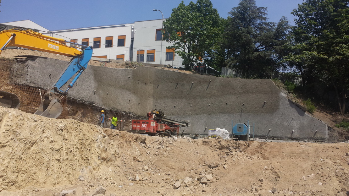 Paroi provisoire clou e b ton projet construction du restaurant universitaire h pital lyon - Hopital lyon porte du sud ...